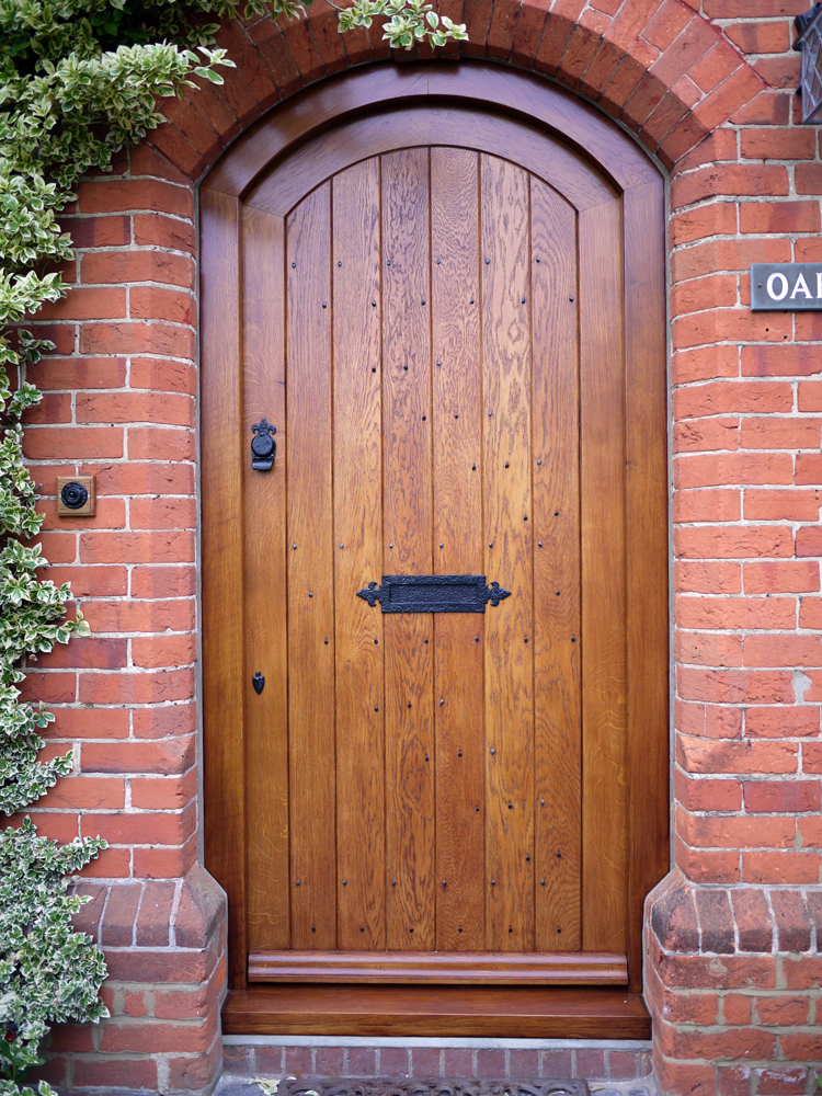 Oak TGV Arch Door Finished.jpg